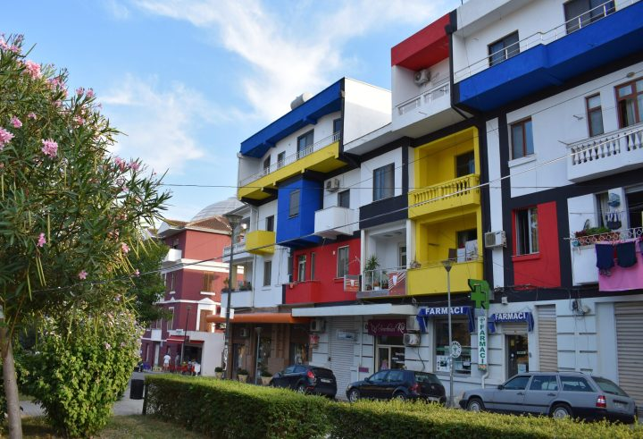 Una farmacia en Durrës, Albania