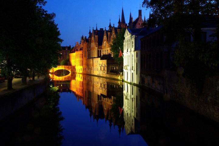 Efecto Espejo en los Canales de Brujas