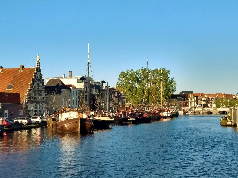 Casa Flotantes en los Canales de Leiden