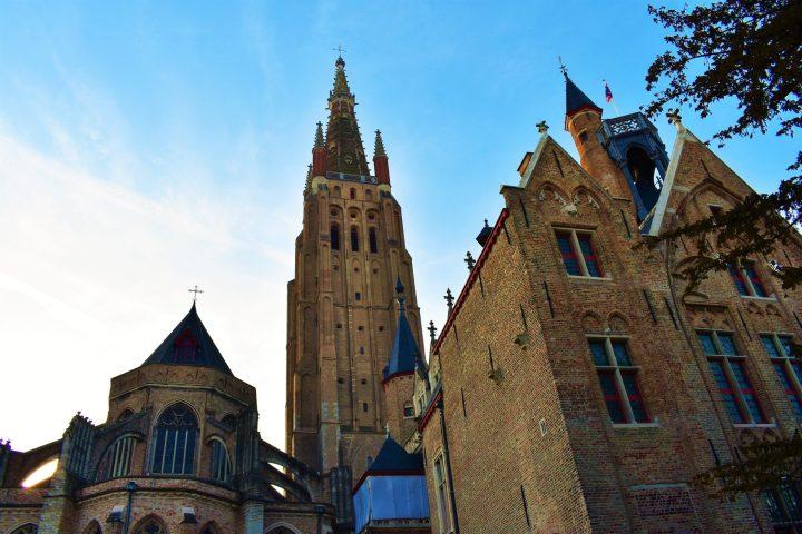 Onze-Lieve-Vrouwekerk church in Bruges