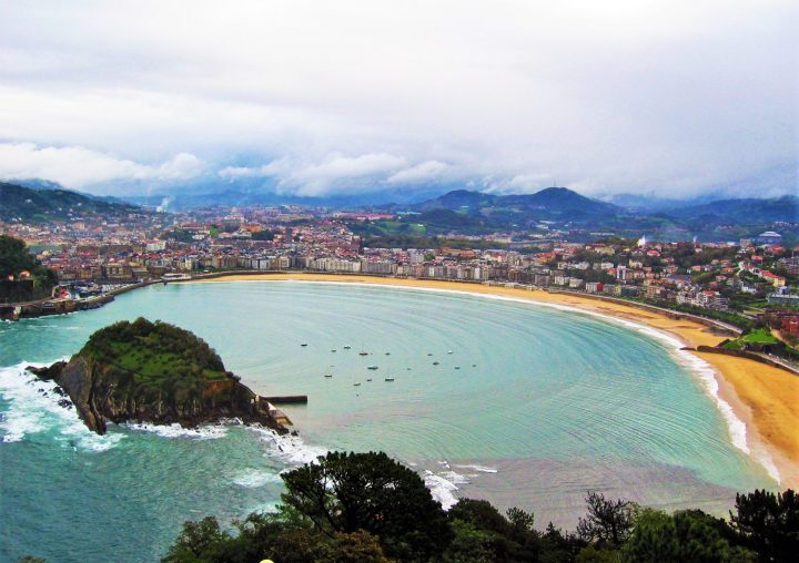 La Concha beach in San Sebastian has won the title of the best beach of Europe by Traveller's Choice Awards