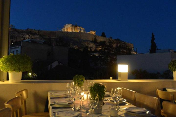Strofi Restaurant with fantastic view at the Parthenon - © Restaurante Strofi