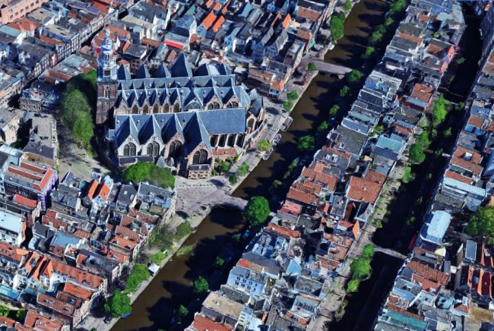 The Old Church and the Red Light District in Amsterdam (copyright Google Maps)