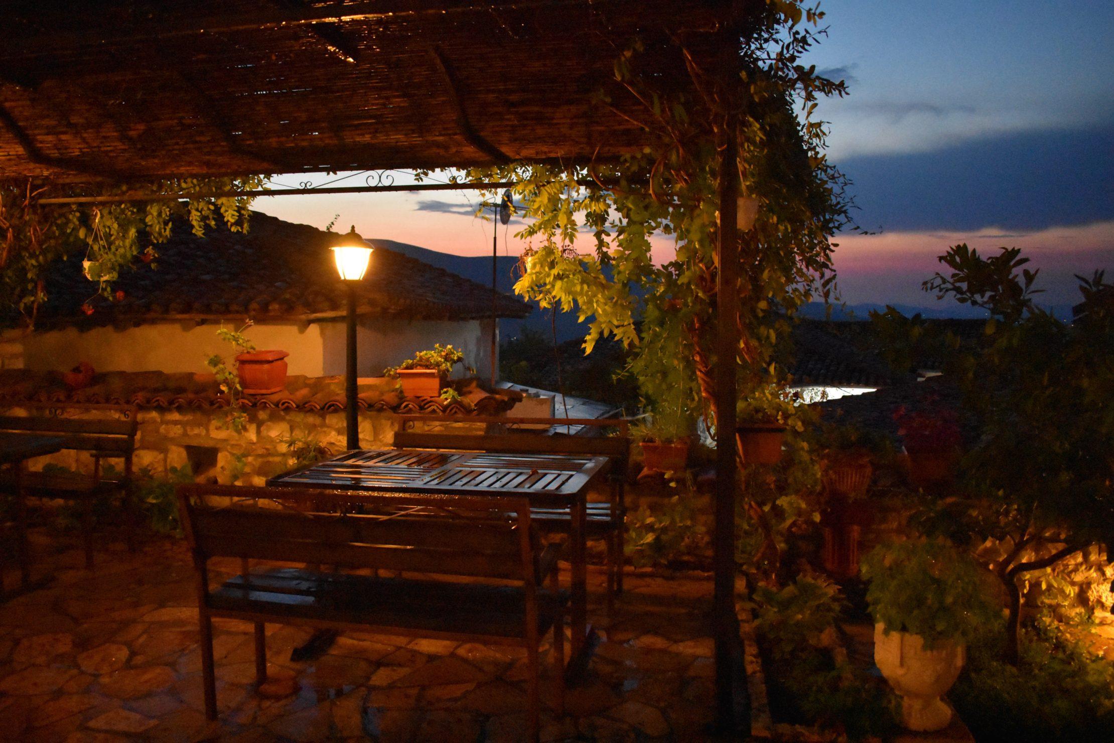 Restaurante en el castillo de Berat