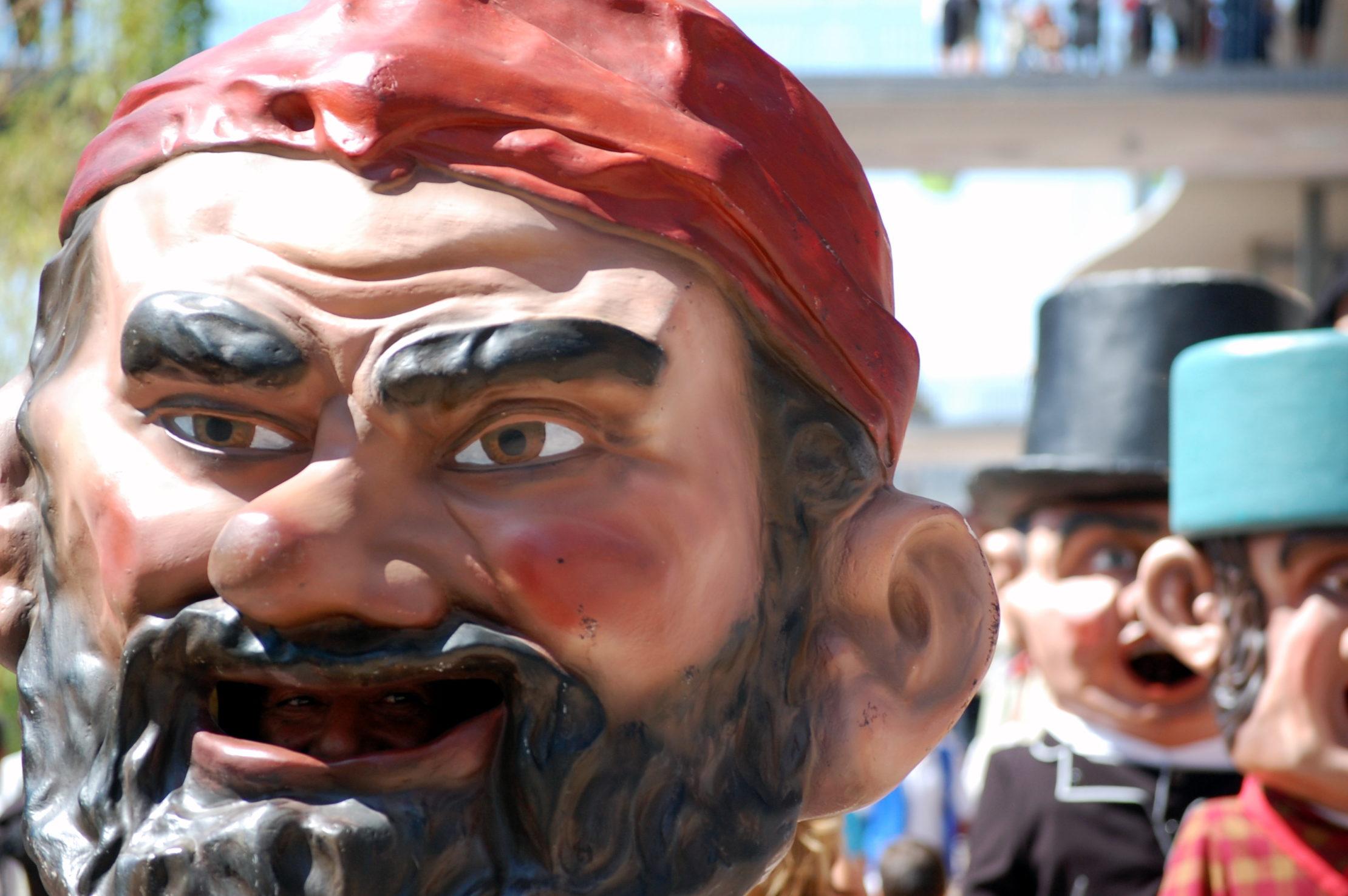 Comparsa de Cabezudos in Fiestas del Pilar