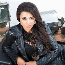 Les découvertes de Nico :  Mélanie René devient «Melyz» ! – Découvrez son nouveau single » Promises «