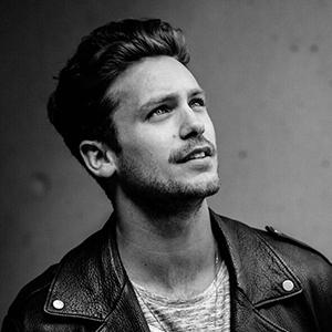 """Les découvertes de Nico:""""Stay""""- Le dernier single de Bastian Baker qui prend un nouveau virage musical !"""