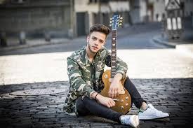 """Les découvertes de Nico: Luca Hänni offre sa nouvelle chanson """"Butterfly"""" à l'association Debra qui soutient les personnes atteintes d'épidermolyse bulleuse !"""