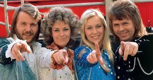 «Waterloo» ABBA – ESC Suède 1974 – Quelle version préférez-vous: anglaise, suédoise, française ou allemande ?
