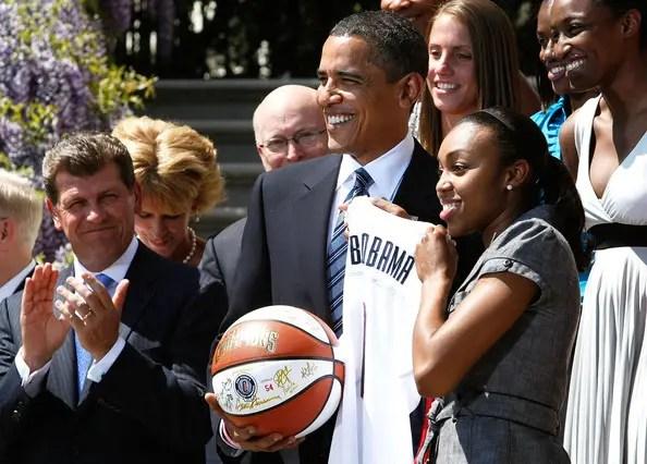 Obama+Welcomes+Conn+Women+Basketball+Team+5HJFCEHbuI_l