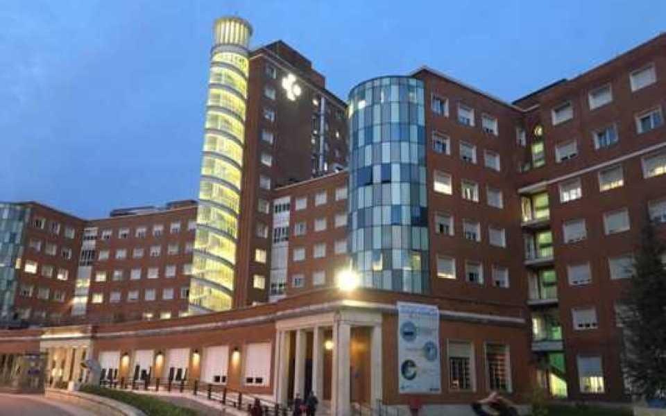 Euskadi reduce a 120 los nuevos contagios, baja a 104 los pacientes en planta y se mantienen los 49 en UCI,
