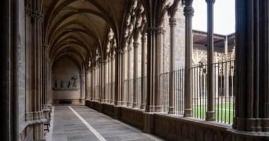 La Catedral de Pamplona, incorpora de forma pionera en España el latín en su información al público,