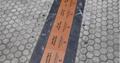 El alcalde de Donostia condena tajantemente el tercer ataque a las placas en memoria de víctimas de ETA,