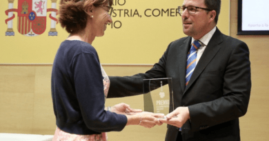 El Gobierno Vasco recibe un premio por la eficiencia en política de clusters,