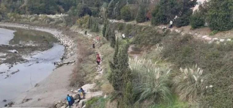 Cerca de 100 personas han participado en una jornada de voluntariado ambiental en Erandio,