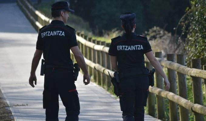 Detenido en Alegría-Dulantzi por intentar agredir a agentes de la Ertzaintza,