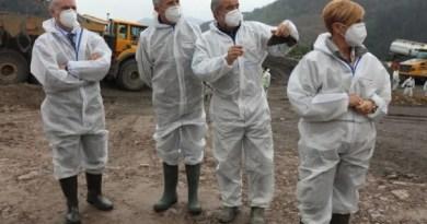 Urkullu supervisa los trabajos de emergencia que se desarrollan en el vertedero de Zaldibar,