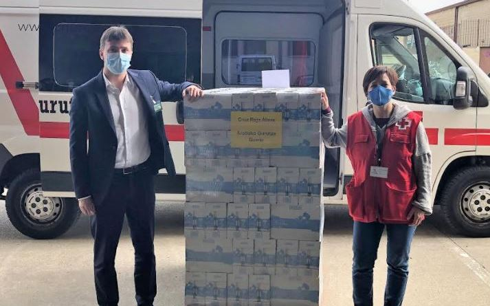 Mercadona dona 2.700 litros de leche a Cruz Roja Álava,