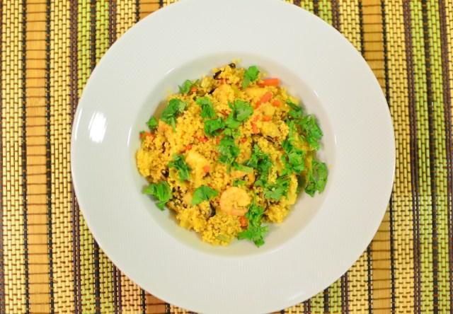 salada quente couscous e marisco