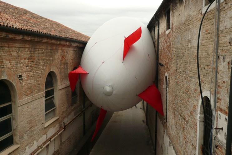 sciame-stuck-dirigible-web