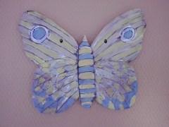 Schmetterling_Bewohnerarbeit_geprägter Ton_Pflegeheim