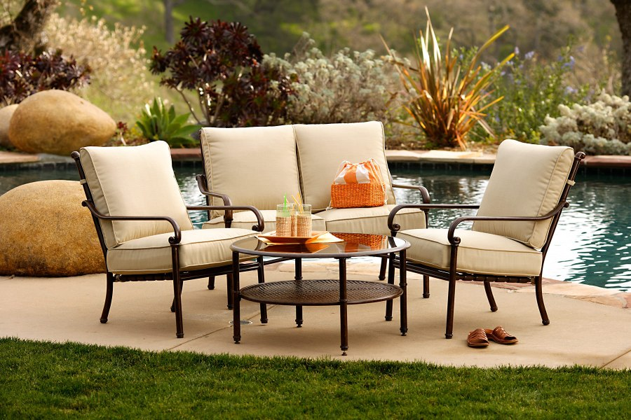 Outdoor Furniture Cleaning  How to Clean Your Patio Furniture     How to Clean Metal Patio Furniture  Source  Eva Furniture