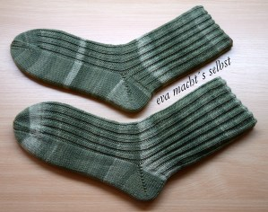 Socken stricken rippenmuster