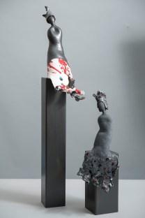 scultura ceramica maiolica BIANCA E NERA FLORA