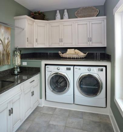 contemporary-laundry-room-520x515