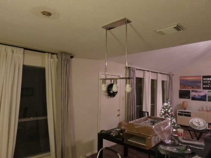 DIY light fixture swap - evanandkatelyn.com