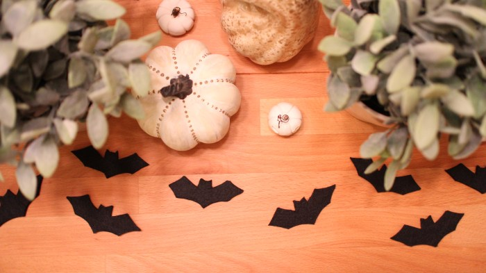 Feeling Batty - DIY Felt Bats - evanandkatelyn.com