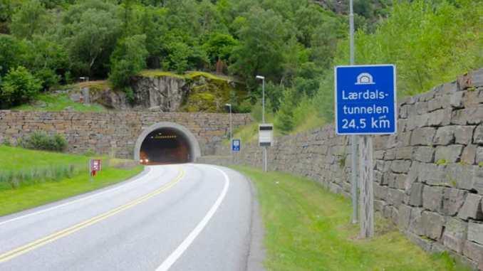 Dünyanın en uzun tüneli Laerdal Tüneli