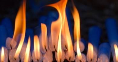ETRE LA FLAMME QUI NE S'ÉTEINT JAMAIS DANS LA TEMPÊTE (Fréquence de la Conscience Arcturienne)
