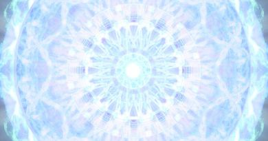 Krystal Aegis : Le Bouclier de Cristal qui va changer votre vie ! Votre Ascension est entre vos mains chers Starseeds et êtres de l'UN