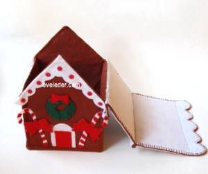 felt-gingerbread-house-open_1