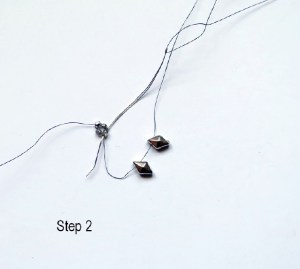 two-hole-beads-earring-pattern-step-2_1