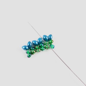 New Two-Hole Es-O Mini Bead—FREE Herringbone Stitch Tutorial Using a Two-Hole Bead