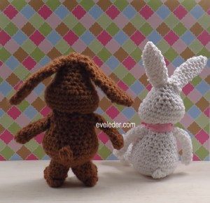 Crochet Amigurumi Bunny Rabbit--back view of two bunnies