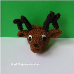 Crochet Reindeer--FREE pattern on how to make an amigurumi reindeer ornament.