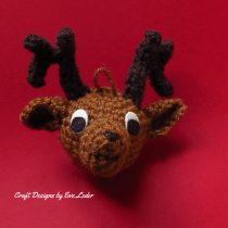crochet Reindeer--FREE pattern on how to make an amigurumi reindeer ornament.