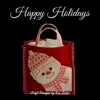 Snowman Gift Bag Pattern--FREE pattern to make this super cute felt snowman gift bag.
