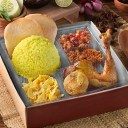 catering-nasi-kotak-kuning-evelin