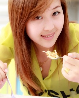 girl eating food