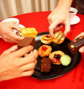 8 Tips to Help Control Mindless Eating