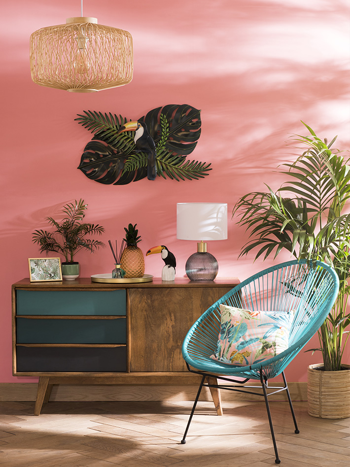 It's time for another trend roundup post! The previous Autumn/Winter 2017 post was so successful, I thought I'd write one for Spring/Summer too!  It may still be dark and dingy, but we have so much colour and texture to look forward to this spring and summer. This time, I have looked at Maisons du Monde for inspiration as they have 6 modern trends that will appeal to almost everyone.Below, you'll find a guide of watch trend as well as a board of my favourite products.