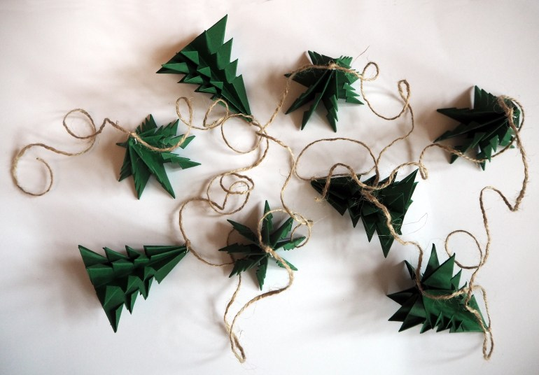 DIY Christmas tree garland