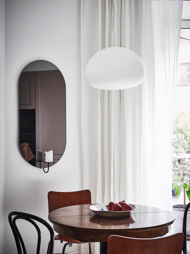 Kitchen lozenge mirror