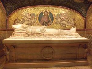 cripta-la-basilica-san-pedro_pxl_3cae6db9e07f8ca3219b4e47f808093d