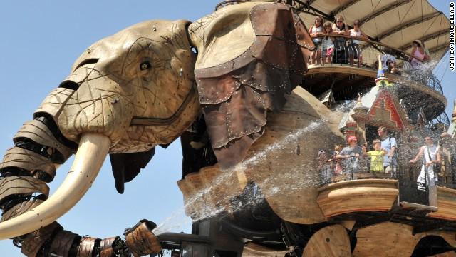 130430142422-les-machines-nantes-great-elephant-horizontal-gallery