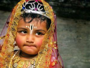 dressed-lord-krishna_6754_600x450